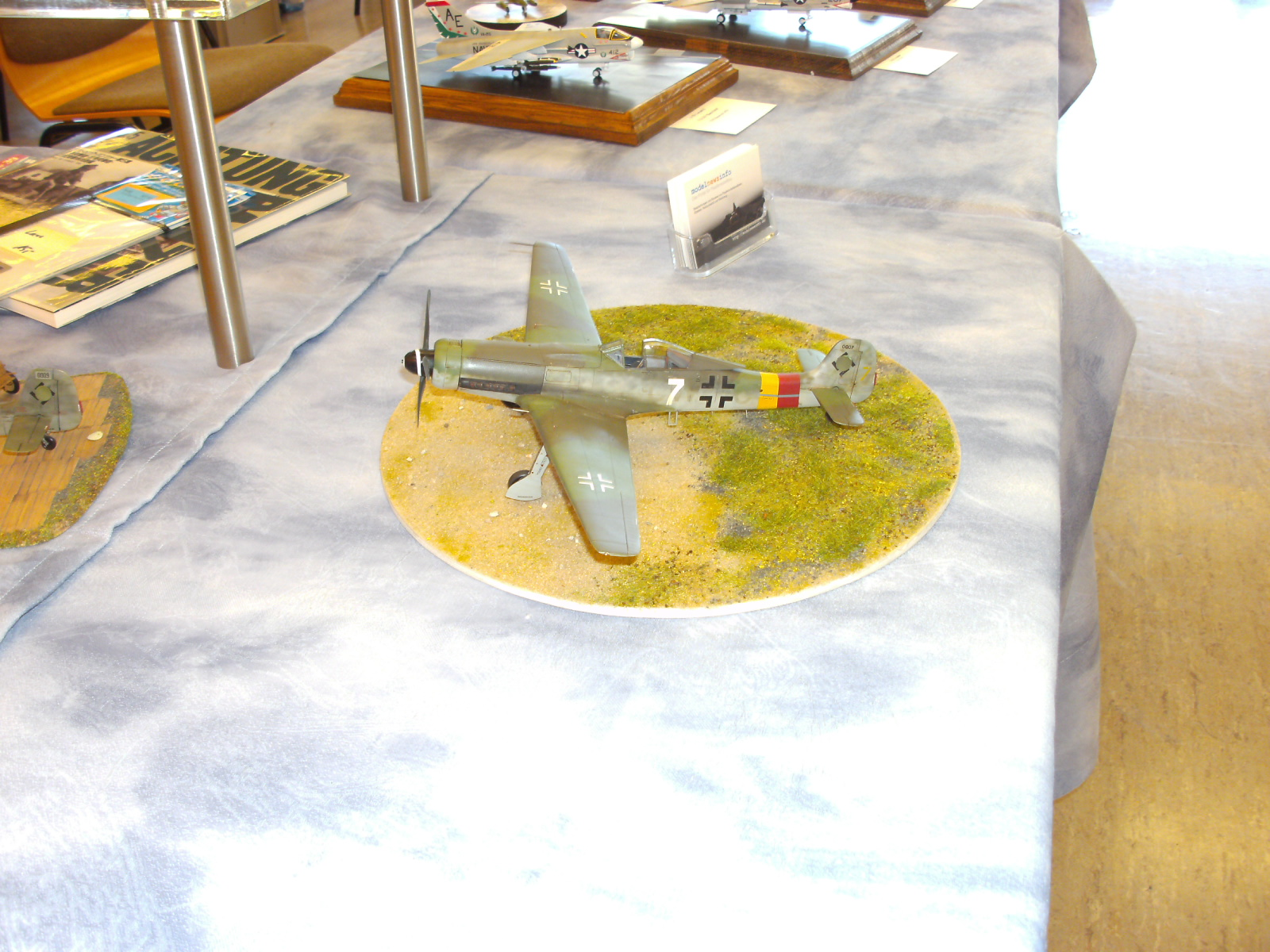 weiße 7 Modellbauaustellung